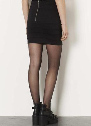 Черная бандажная мини юбка сзади на молнии