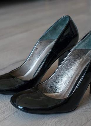 Туфли кожаные, лак