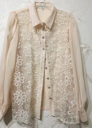 Нежная блуза с вышивкой
