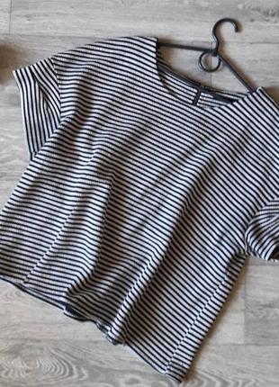 Красивая фактурная футболка блуза на замочке сзади 22рр