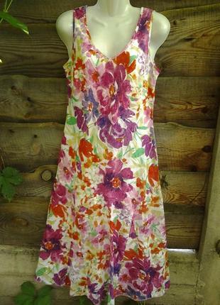 Платье в цветочный принт из легкой хлопковой ткани