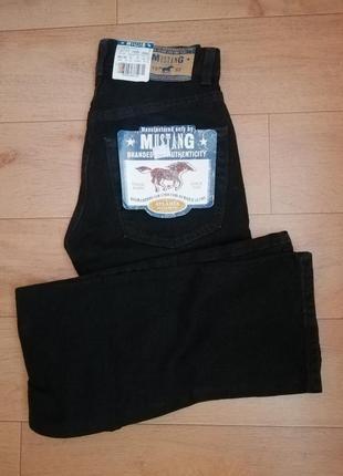 Новы джинси фірми mustang