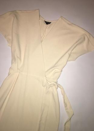 Актуальное летнее платье на запах2 фото