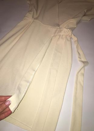 Актуальное летнее платье на запах3 фото