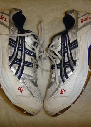 Оригинальные крепкие кроссовки asics