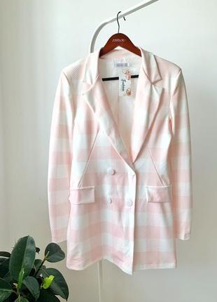 Подовжений піджак в клетку/легке пальто италия