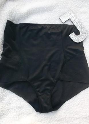 Отличные черные утягивающие трусики, с вышивкой, размер евро 54-56, сост новых
