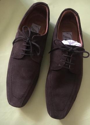 Замшевые шоколадные туфли от bata