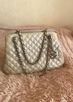 Кожаная сумка сумка кожаная на цепочке в стиле chanel4 фото