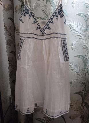 Сарафан с вышивкой в греческом стиле