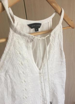Белая легкая майка с вышивкой