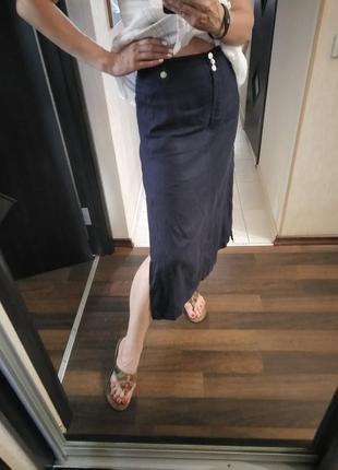 Длиная льняная юбка с двумя разрезами