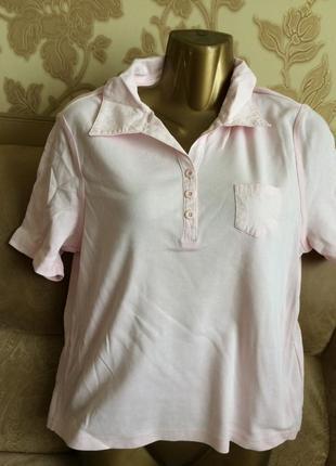 Нежно розовая футболка поло