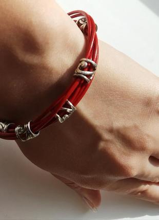 Кожаный красный браслет ручной работы