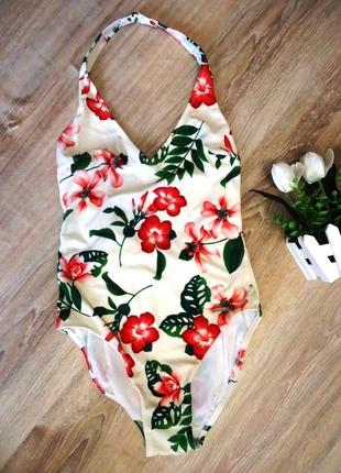 Яркий цветочный сдельный купальник triumph. размер s.