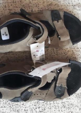 Босоножки, сандали на липучках