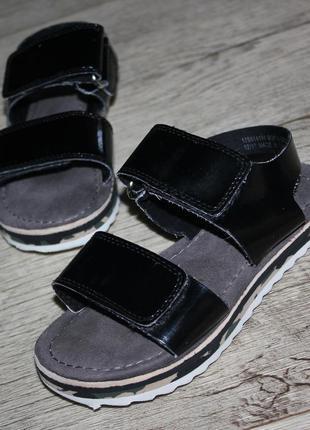 Стильные босоножки сандалии черные