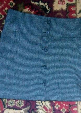 Короткая юбка на пуговицах