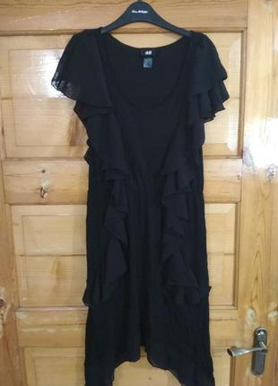 Шикарное тоненькое коктейльное платье ч рюшами от h&m, p. m