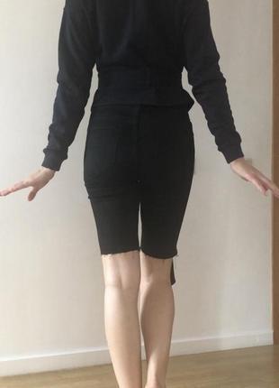 Реглан с красивой вышивкой и длинным поясом
