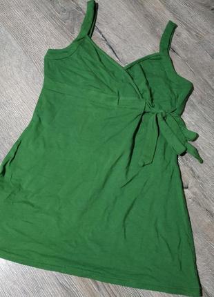 Удлиненная майка зеленого цвета