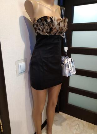 Крутое мини платье коктейльное вечернее чёрное с перьями