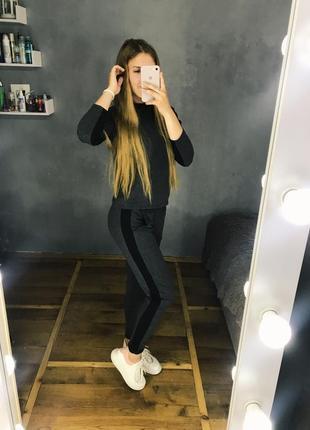 Серый спортивный повседневный костюм на подростка с лампасами с отваротом