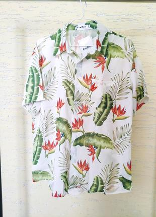 Рубашка в листьях в гавайском стиле