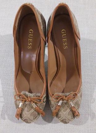 Брендові туфлі