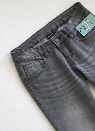 Стильные серые джинсы2 фото