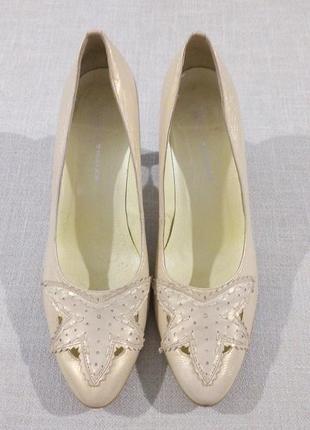 Шкіряні брендові туфлі monarch
