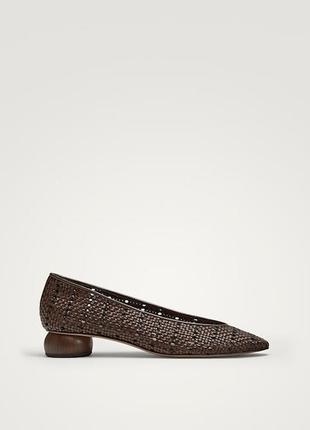 Туфли на каблуке с плетеным узором