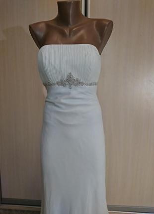 Белое платье в пол свадебное вечернее с камнями и шлейфом