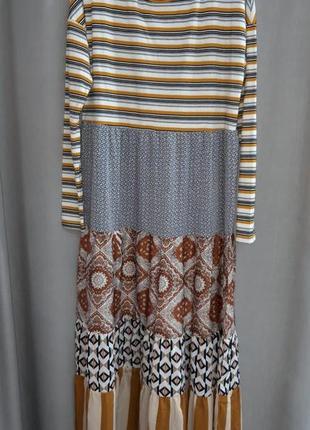 Красивое стильное платье,  италия,  оверсайз.