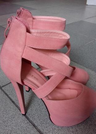 Босоножки каблук 13 см.