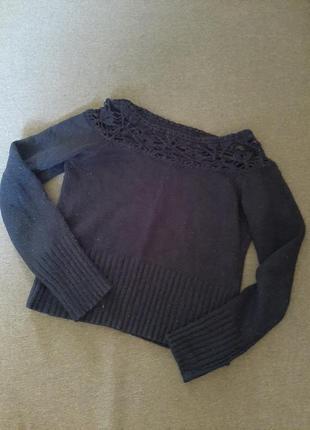 Укороченный свитер с кружевом