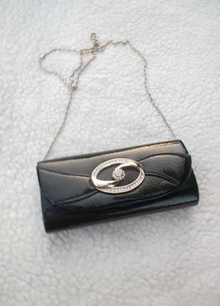 Замечательный лаковый черный клатч, с цепочкой,  сост оч хор