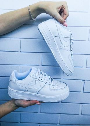 0a6ae7ea ... Стильные кроссовки 😍 nike air force classic leather white 😍4 фото ...