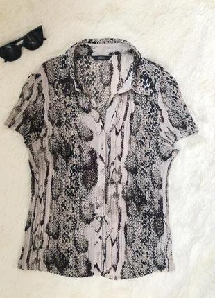 Блуза плиссе змеиный принт marks & spencer