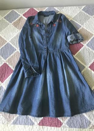 Детское джинсовое платье lc waikiki с цветочной вышивкой