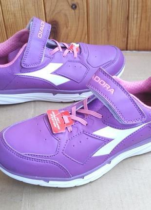 Оригинальные новые стильные кроссовки diadora