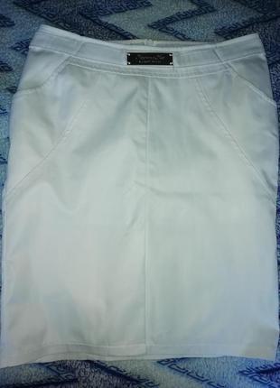 Белая, атласная юбка