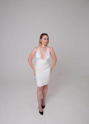 Платье коктейльное белое бренд