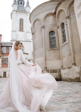 Свадебное платье с открытой спиной бохо