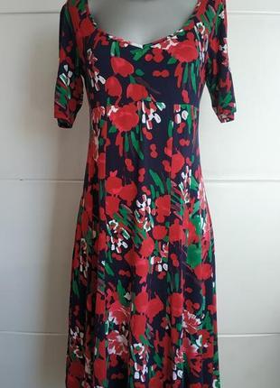 Элегантное платье-миди marks& spencer с принтом красивых  ярких цветов