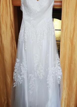 Нежное свадебное платье для высокой девушки