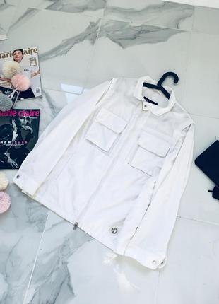 Оригинальная тонкая куртка - пыльник с карманами