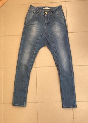 Джинсы с мотней, джинсы, джинси