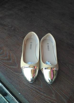 Розпродаж!!!! нові балетки,є всі розміри.2 фото