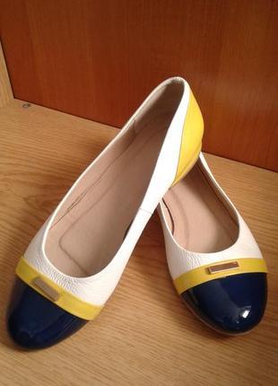 Яркие и легкие туфельки- балетки из натуральной кожи